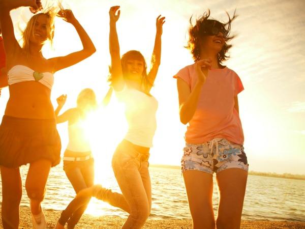 amigas-bailando