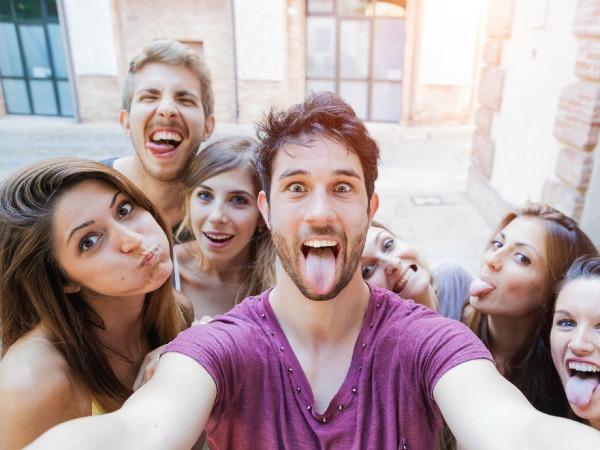 amigos-selfie
