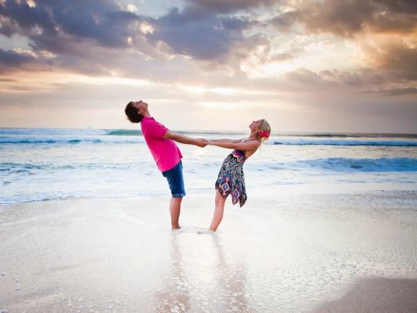 pareja-playa